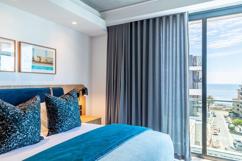Brand New 2 Bed Sea View Apt Sea Point | Latitude, aluguéis de temporada em Sea Point