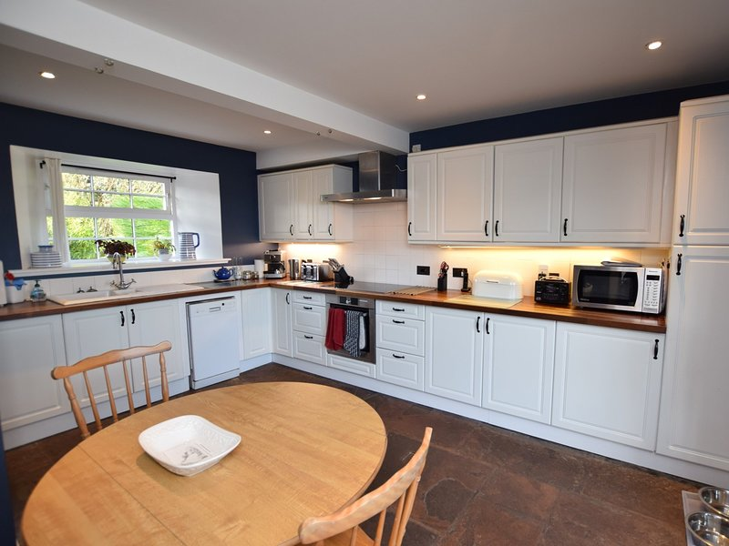 The stylish and well-equipped kitchen
