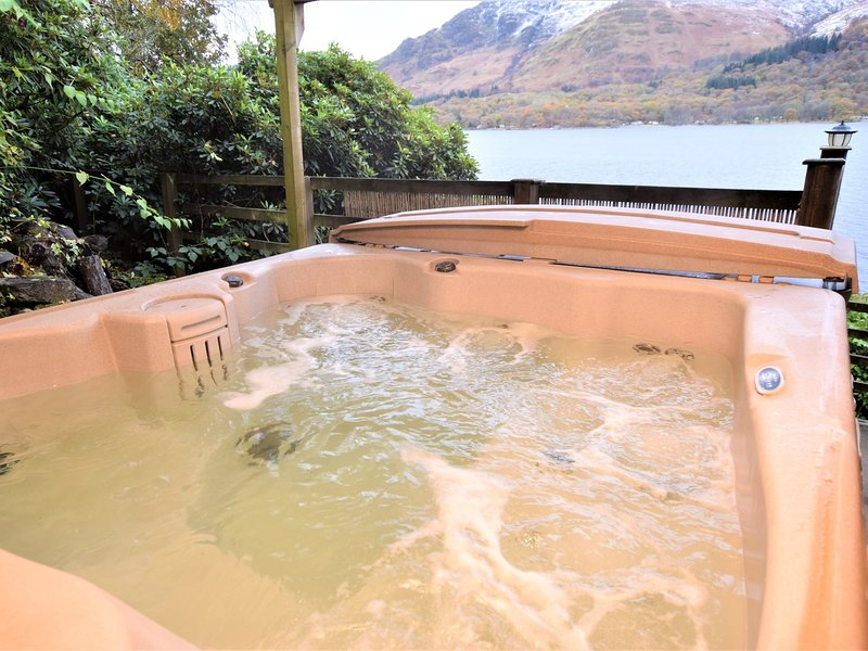 Relax and unwind in the fantastic hot tub and enjoy the amazing views over Loch Earn