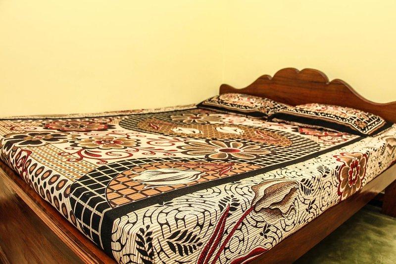 Shiny Home Stay, holiday rental in Doluwa