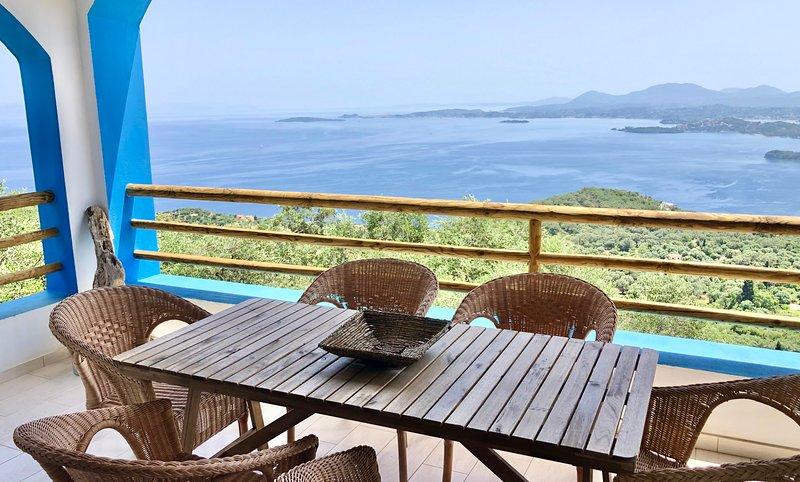 House Tanna, Best Views on Corfiot Riviera!!! Corfu Greece, location de vacances à Spartilas