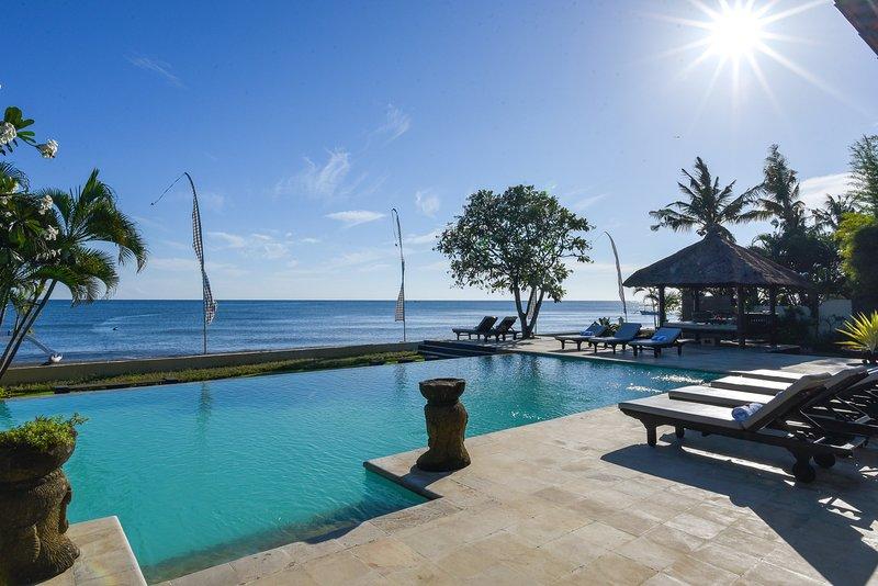 Villa Lovina Beach 1, holiday rental in Dencarik