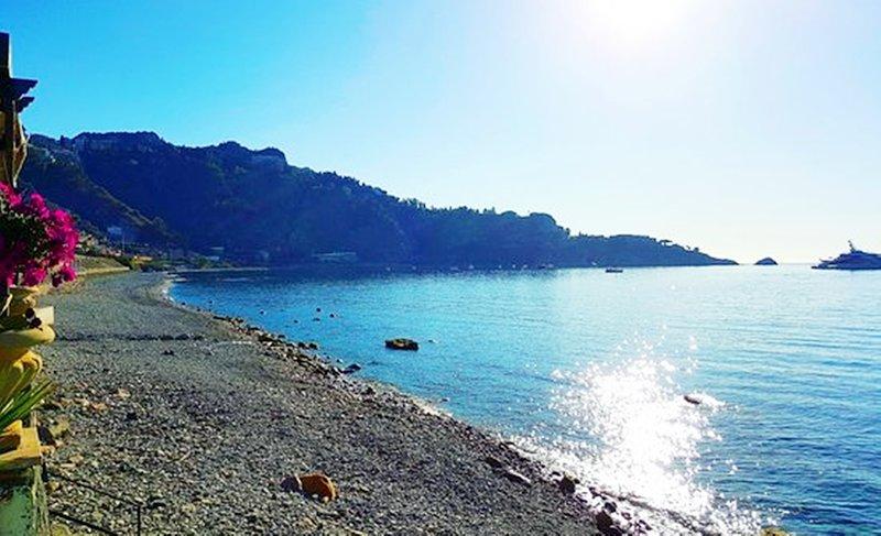 Taormina residence sea view, vacation rental in Villagonia