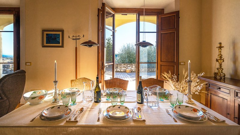 Elegante villa per 7 persone con vista panoramica, holiday rental in Santa Lucia