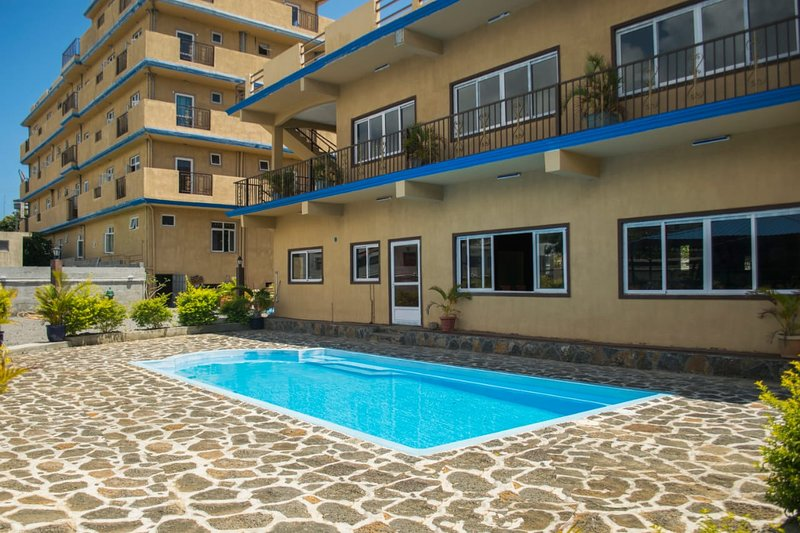 Apartment with shared pool, holiday rental in Grand Gaube