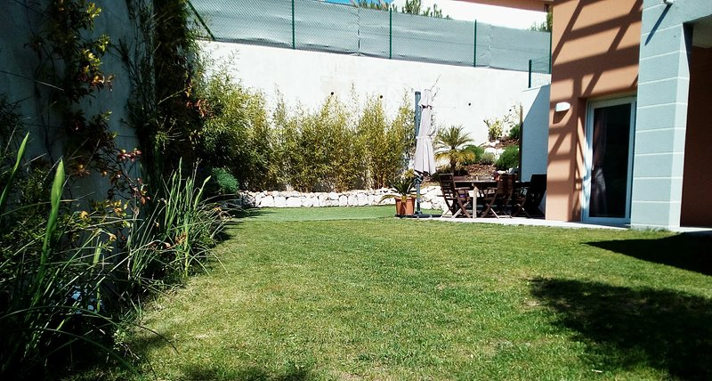 Villa moderne au calme, aucun vis à vis, à 3 min de la mer et du centre, vacation rental in Golfe-Juan Vallauris
