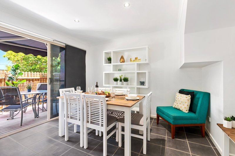 Create great memories on your next holiday around the dining table. The dining area opens out into a courtyard, giving even more dining space.