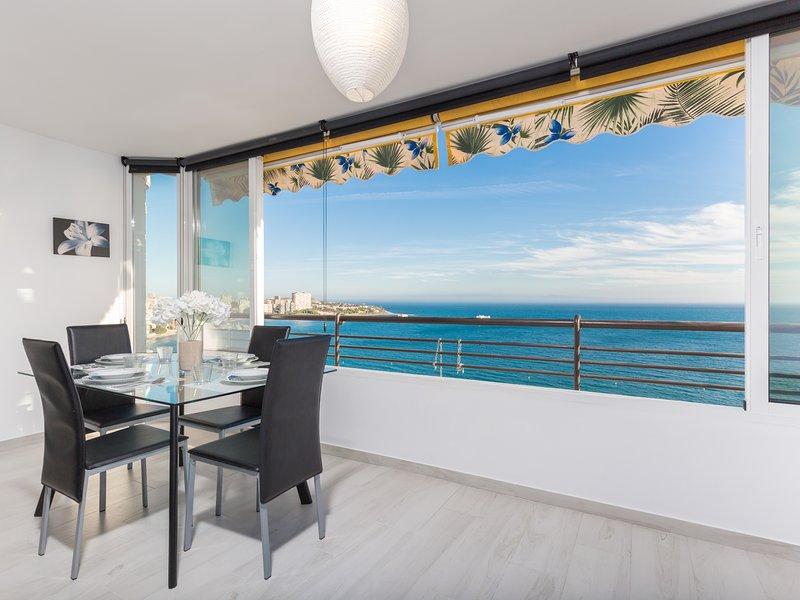 Monte & Mar: Mountain, Sea Views and Beach in the same Apartment, aluguéis de temporada em Castell de Castells
