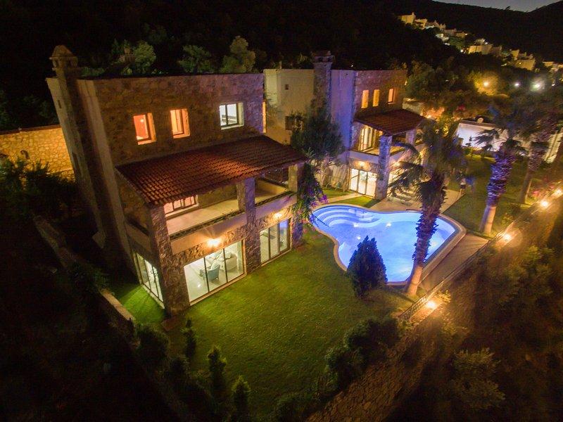 Villa Torba Bay by EvTatilim   Bodrum, Torba, holiday rental in Camlik