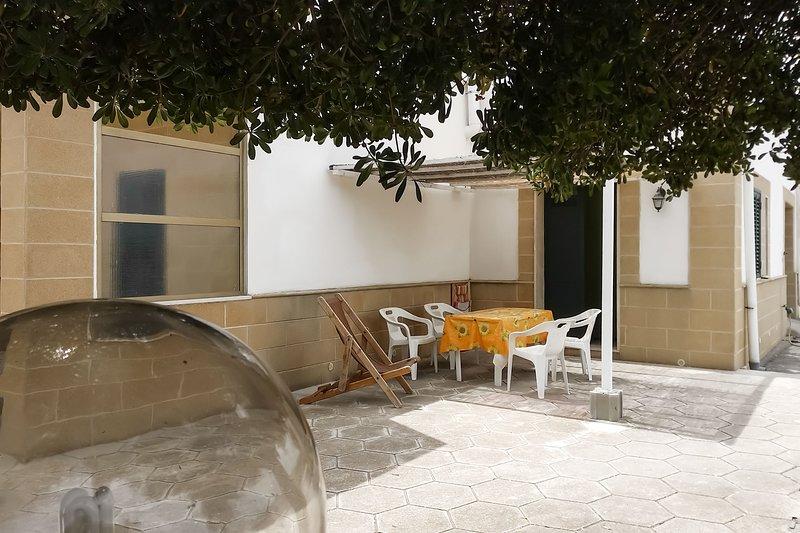 Bilocale mare ottimo prezzo vicino spiaggia m722, location de vacances à Casalabate