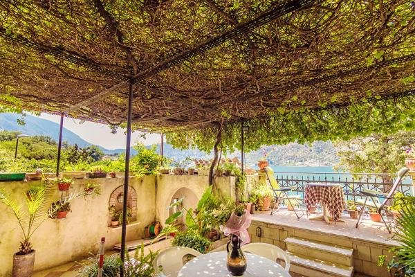 Villa Donkovic With Private Beach and Boka Bay View, holiday rental in Kotor