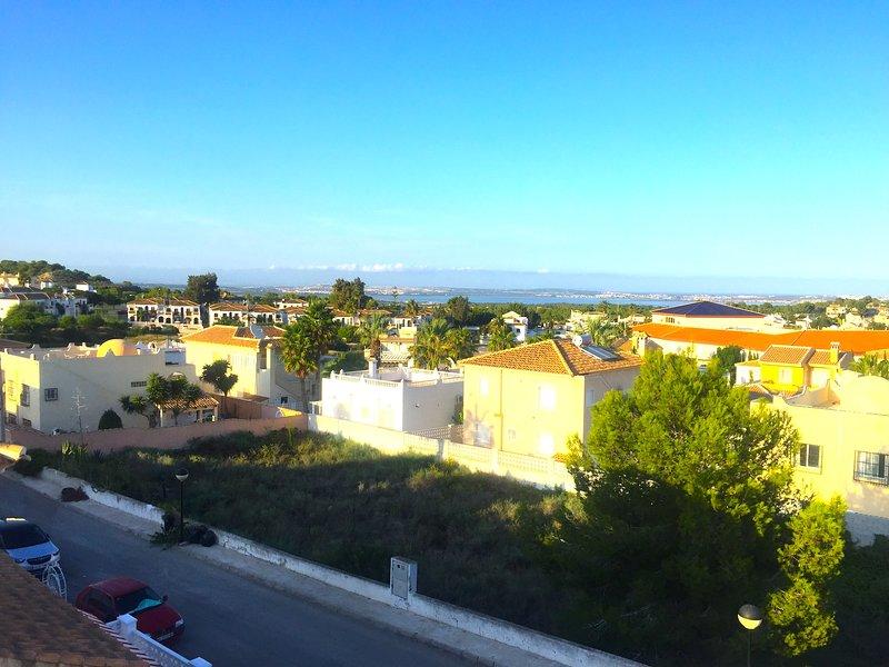 Costa Blanca South - Bed & Breakfast - Nr Villamartin / Wi-Fi / Air Con, location de vacances à Lo Rufete
