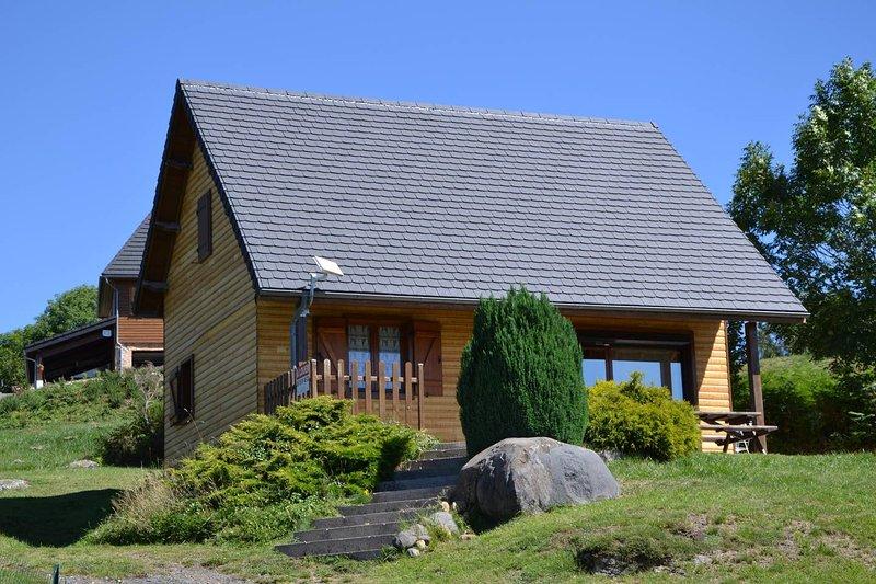 Chalet in Saint-Genès-Champespe, location de vacances à Bagnols