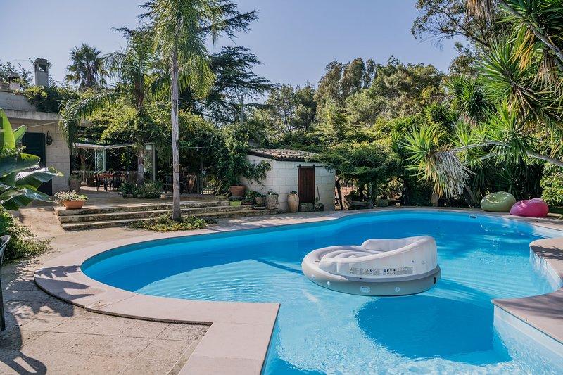Appartamento adatto ai disabili con piscina m402, holiday rental in Serrano