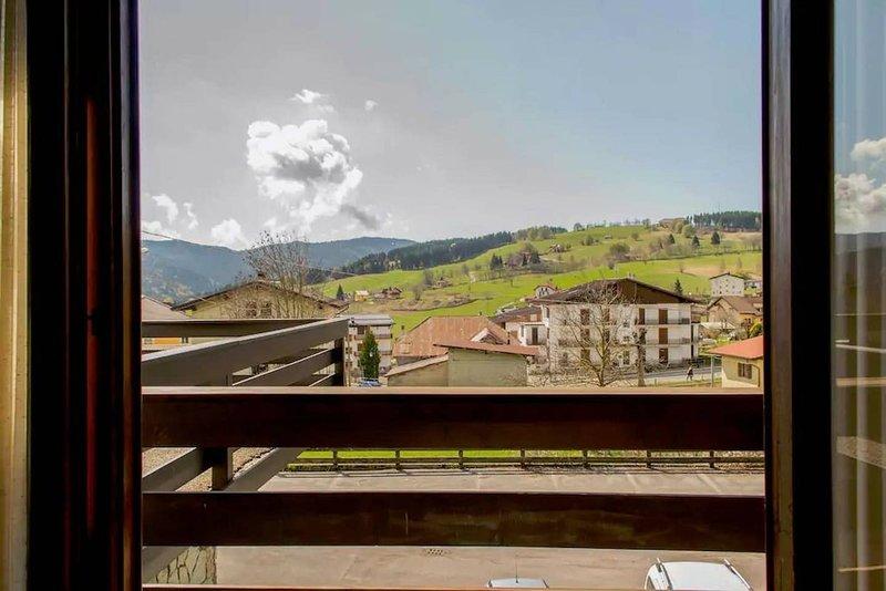 Nice apartment with terrace, holiday rental in Bertigo