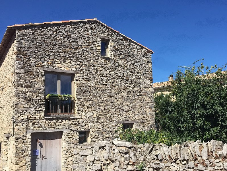 Quiet & Secure Location. Central to Popular Destinations., location de vacances à Alpes-de-Haute-Provence