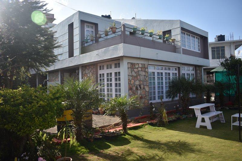 Fairlawns guest house, alquiler vacacional en East Khasi Hills District