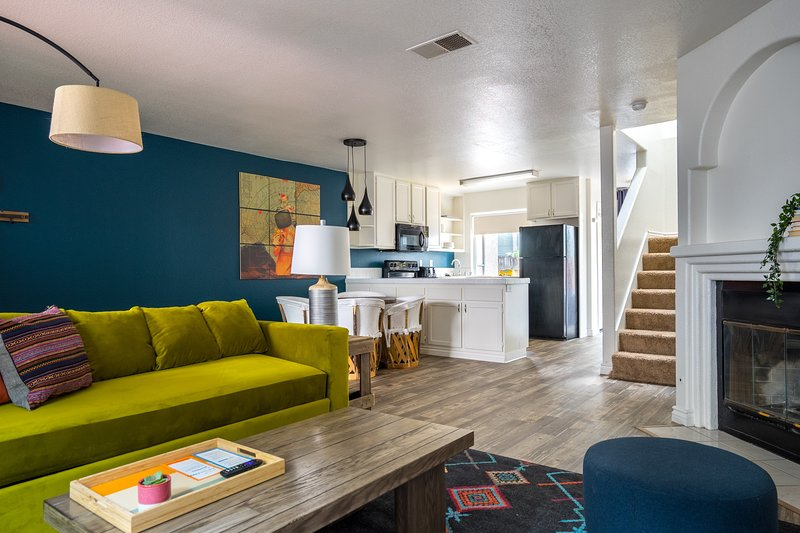 WanderJaunt | Corona | 3BR | Pacific Beach, vacation rental in Elvira