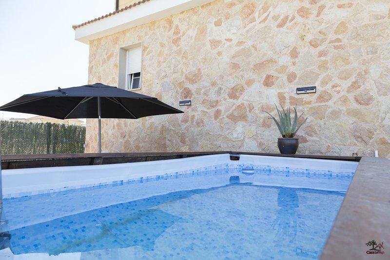 Casa con piscina y barbacoa, location de vacances à Bayubas de Abajo