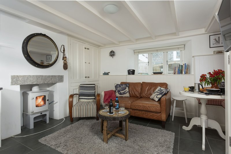 Stargazy - A romantic bolt hole in the heart of the iconic fishing port of Padst, holiday rental in Padstow
