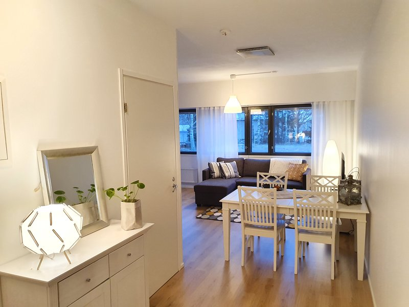 COZY APARTMENT NEAR THE CITY CENTER! FREE PARKING, Ferienwohnung in Replot