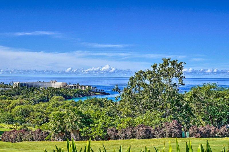Living Aloha: A Quiet Hawaiian Condo w/Ocean Views, holiday rental in Honalo