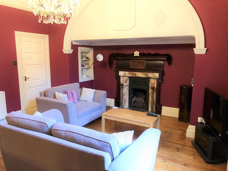 Beautiful York Apartment, with free parking and near racecourse, holiday rental in York