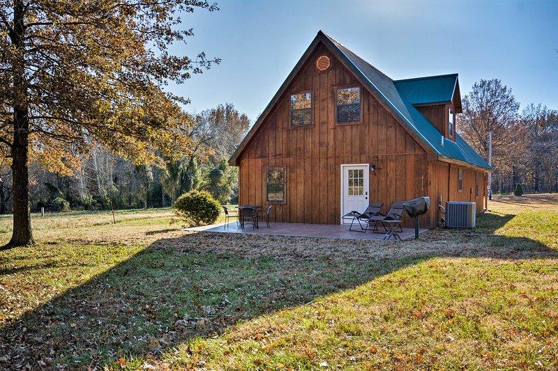 Reserve un viaje a esta cabaña de alquiler de vacaciones única en su tipo en Moundville.