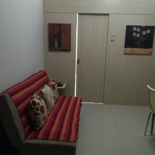 COZY 2 BEDROOM CONDO, alquiler vacacional en Marilao