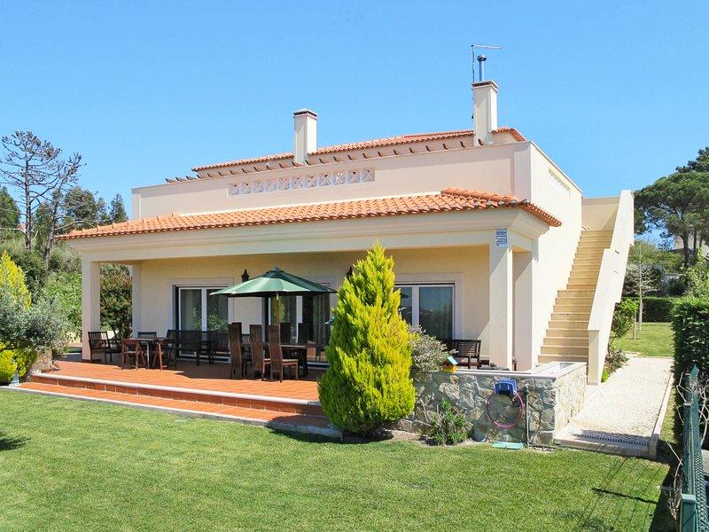 Nadadouro Villa Sleeps 10 with Pool - 5820947, vacation rental in Nadadouro