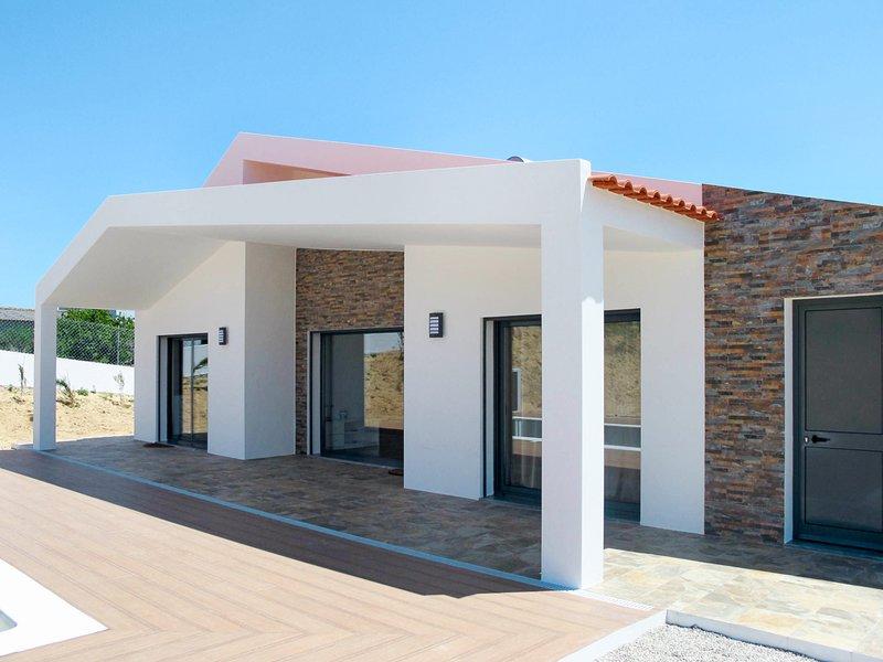 Vau Villa Sleeps 6 with Pool - 5820948, holiday rental in Serra del Rei