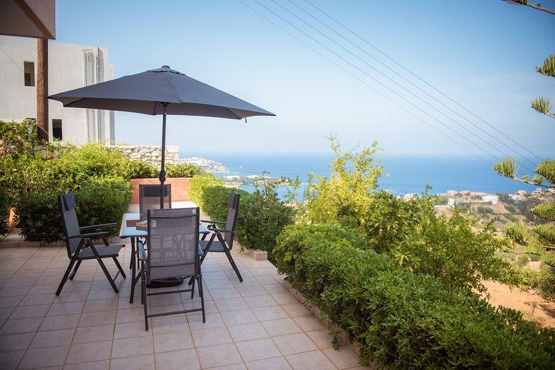 F&K Apartment I2, Agia Pelagia, holiday rental in Achlada