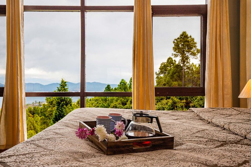 Morning Bliss by Vista Rooms, holiday rental in Ranikhet