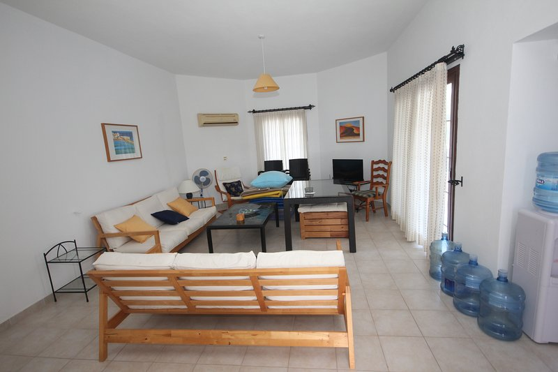 Half moon villa, vacation rental in Alsancak - Karavas
