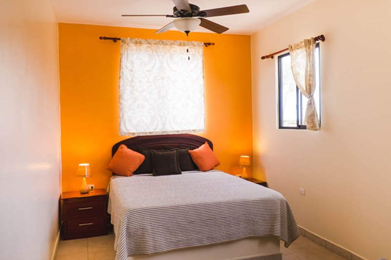Casa Villa 1, 1BR Ocean View Apartment, holiday rental in Puerto Cayo