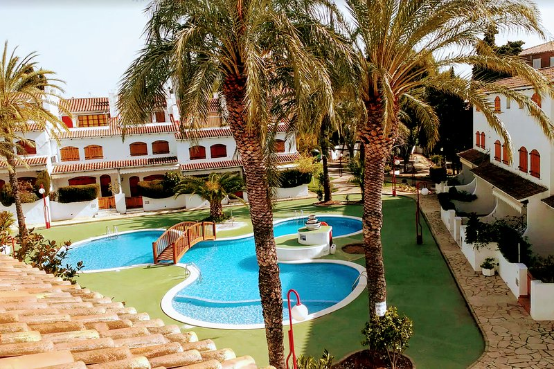 Casa Naiman - Superb family house with Pool and Beach at Costa Dorada - Spain, holiday rental in Roda de Bara