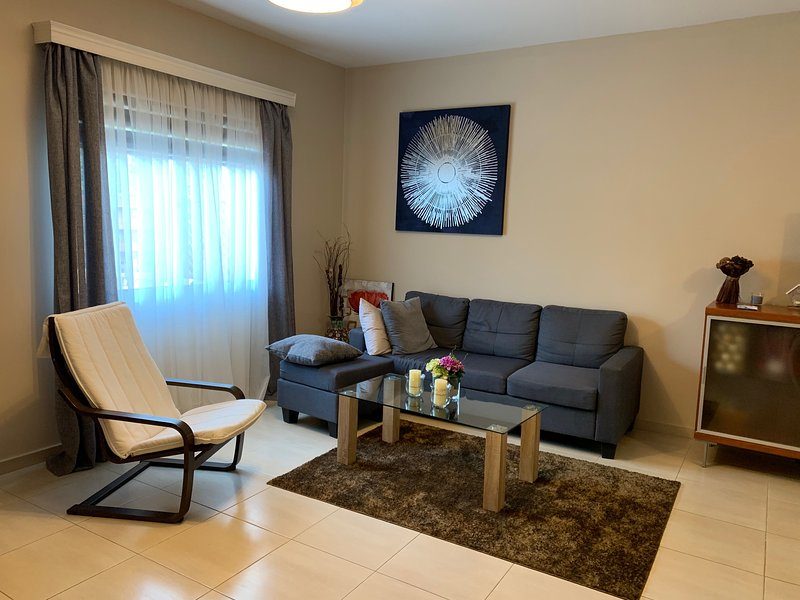 Crowne Plaza 3br townhouse, holiday rental in Agios Athanasios