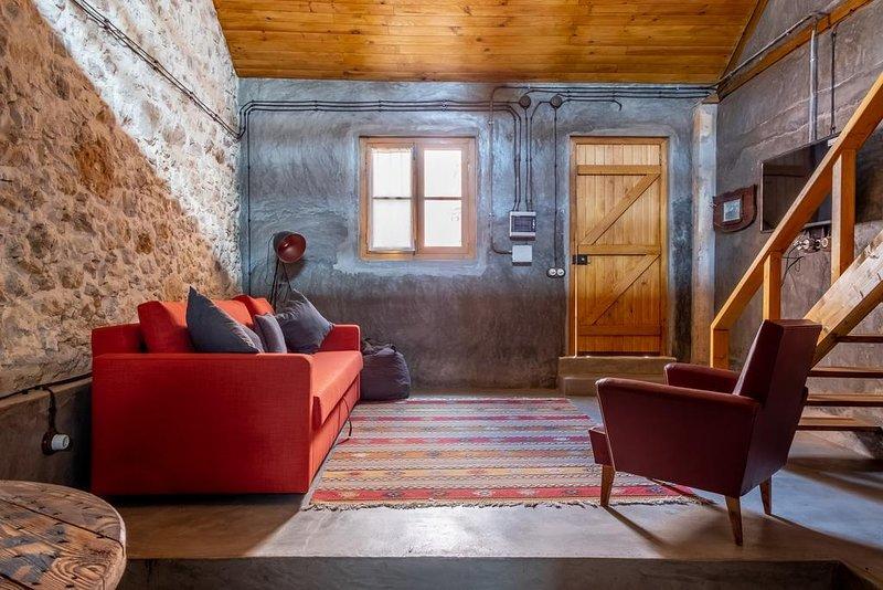 Terra Lodge - Palheiro (Casa 4), holiday rental in Casais de Sao Lourenco