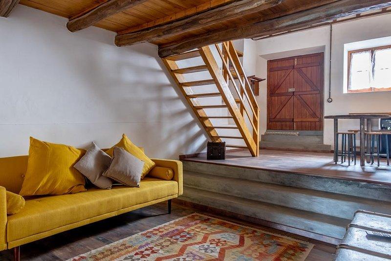 Terra Lodge - Taberna (Casa 1), holiday rental in Casais de Sao Lourenco