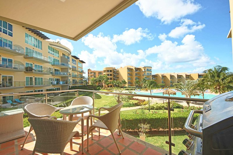 Your balcony with amazing resort pool and ocean views
