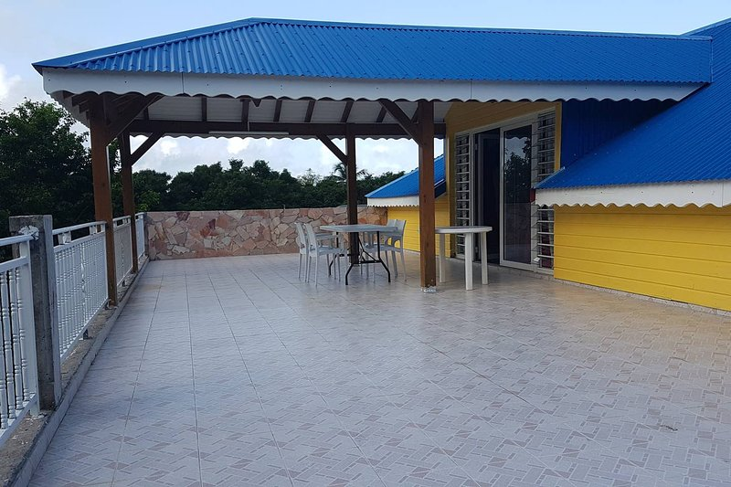 Beautiful property with sea view, holiday rental in Vieux-Fort
