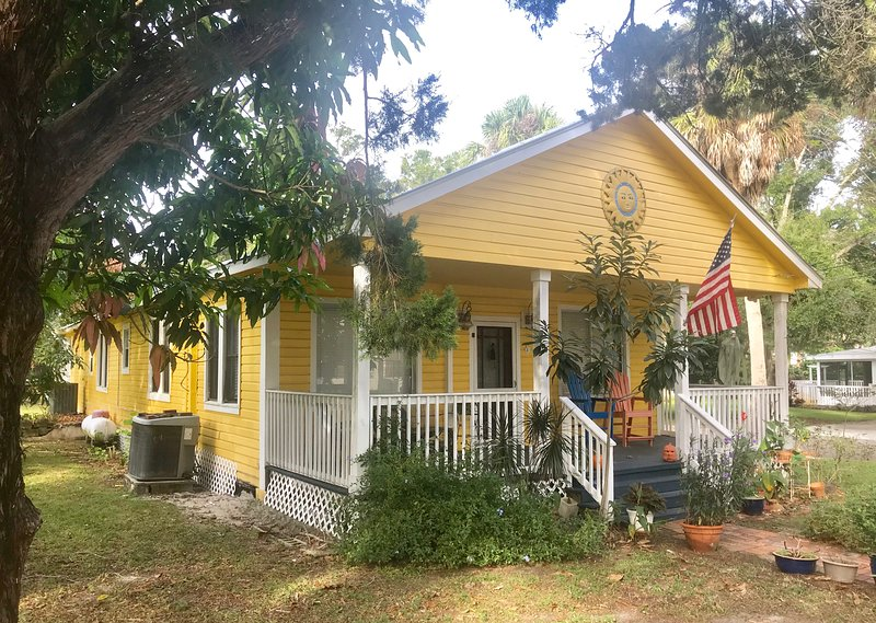 The Saint Michael House Vacation Rental, holiday rental in Tarpon Springs