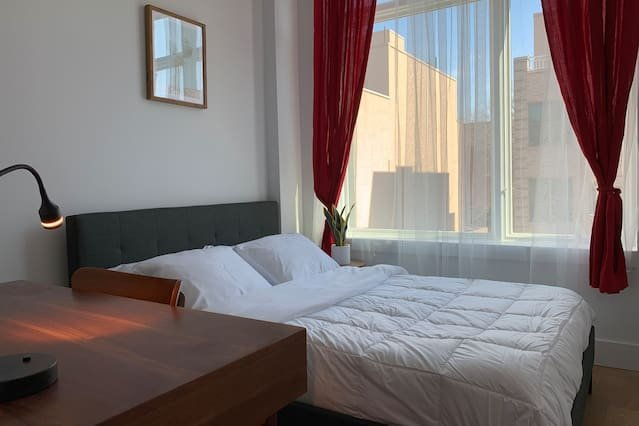 Amazing private room with private bathroom, holiday rental in West Stockholm
