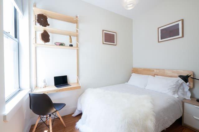 Private cozy room in Bushwick / full-size bed, aluguéis de temporada em Ridgewood