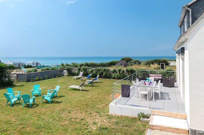 On l'appelle la maison de la BAIE, et elle se situe à Penhors au bord de l'Océan, location de vacances à Finistère