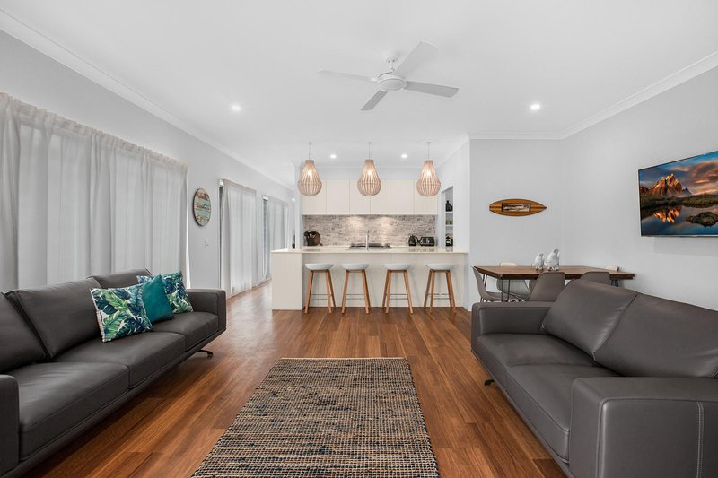 Three-Bed Family Entertainer Near Beach and Cafes, vacation rental in Currumbin
