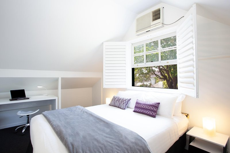 Woolwich Studio Bliss, Your Private Oasis by the Water, vacation rental in Balmain