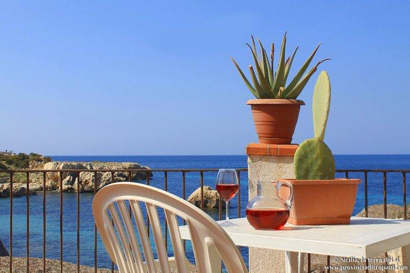 sun kissed apt exclusive luxury property, vacation rental in Tonnara di Bonagia