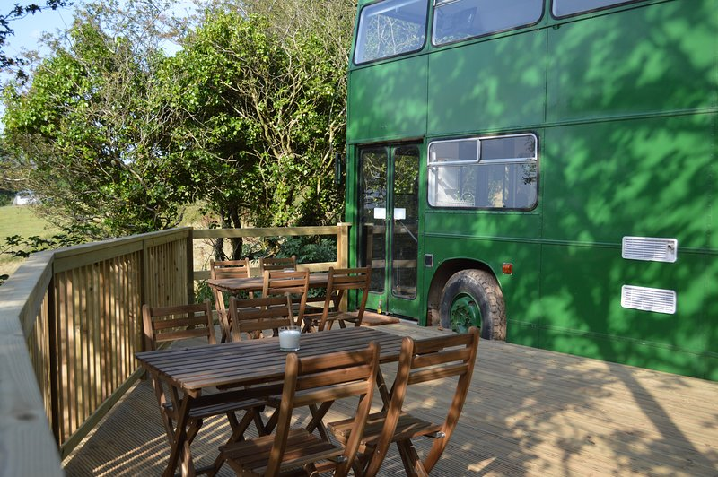 Amazing converted double decker bus, lovely private spot, Bantham, South Devon, casa vacanza a Bantham