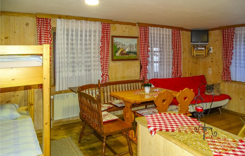 Beautiful apartment in Begunje na Gorenjskem with WiFi and 1 Bedrooms (SGR097), location de vacances à Bodental